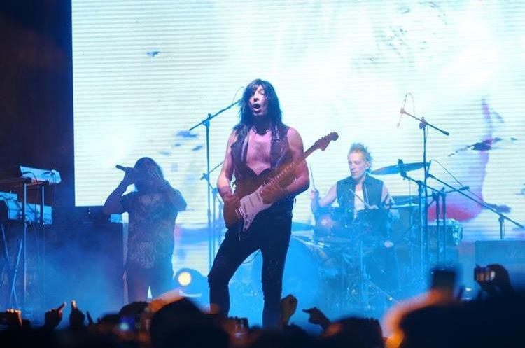 En aquella visita a Guatemala en octubre, abrieron su concierto con las canciones Tormenta eléctrica y Los chicos quieren rock. (Foto Prensa Libre: Hemeroteca PL)