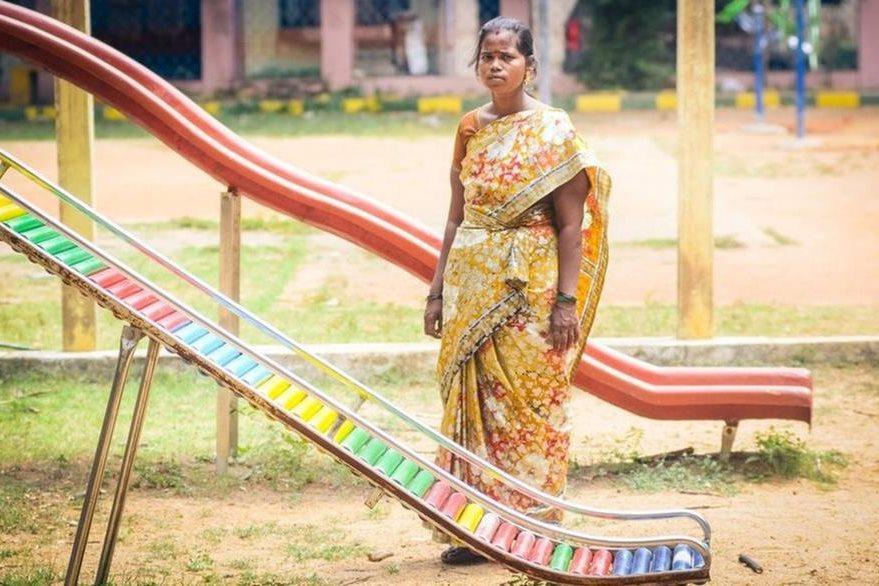 Jothi Lakshmi rentó su vientre para alimentar a sus hijos luego de que su marido se fue de casa por un tiempo. Dice que sintió mal durante más de dos años por la experiencia de separarse de su bebé. NATHAN G
