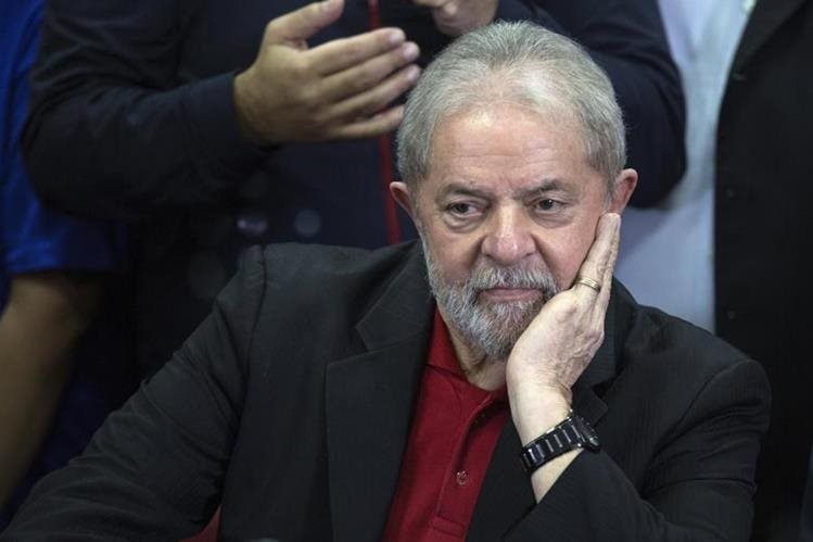 Luiz Inácio Lula da Silva fue condenado a nueve años y medio de prisión por presunta corrupción.(EFE).