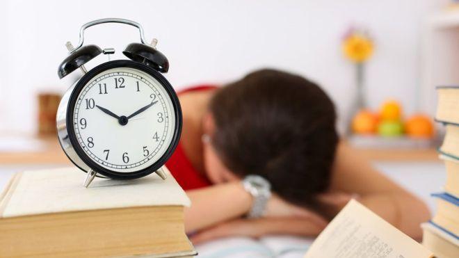 ¿Están nuestros cerebros capacitados para llevar la rutina de 9 a 5 después de cierta edad? (Thinkstock)