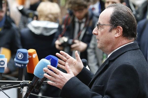 El presidente de Francia, Francois Hollande da declaraciones en Bruselas, Bélgica.