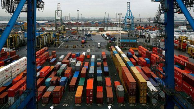 Muchos obreros en los países industrializados se sienten perjudicados por la globalización. GETTY IMAGES