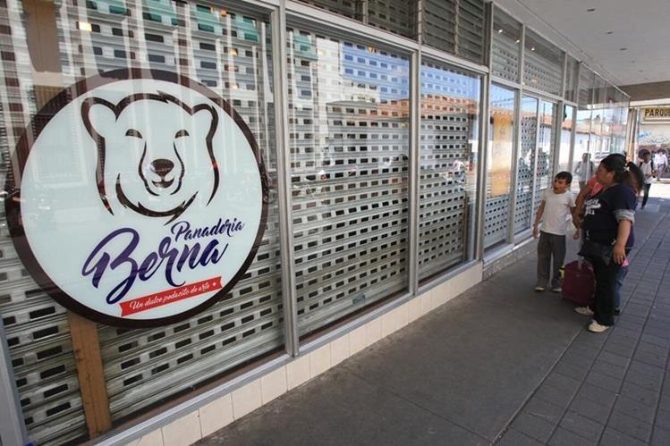 La Panadería Berna es reconocida por sus productos y su ubicación estratégica en el Centro Histórico. (Foto Prensa Libre: Hemeroteca PL)