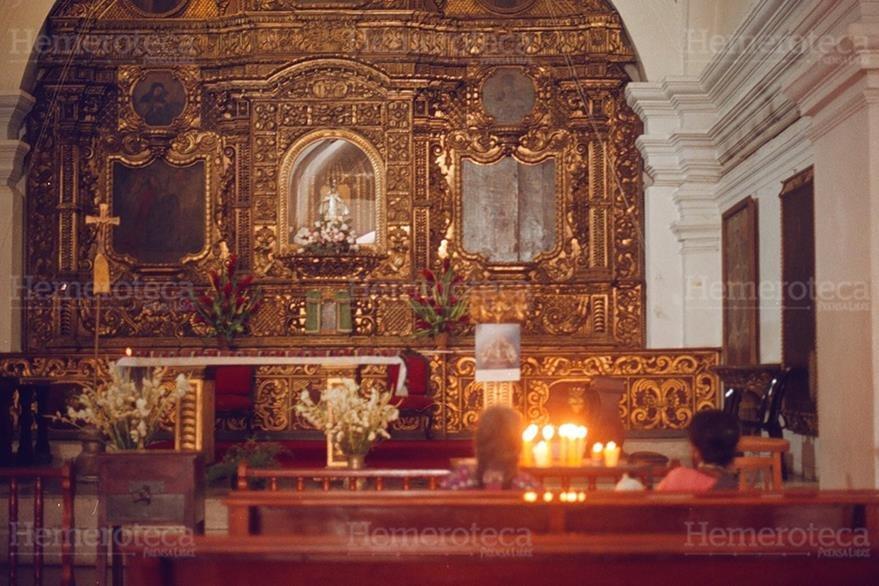 Retablo en el interior del templo. (Foto: Hemeroteca PL)