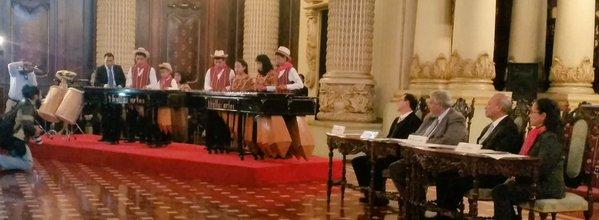 Marimba de niños de la Escuela de Música Elías García de Sn. Juan Sacatepéquez ofrecen concierto. (Foto Prensa Libre: Ministerio de Cultura y Deportes)