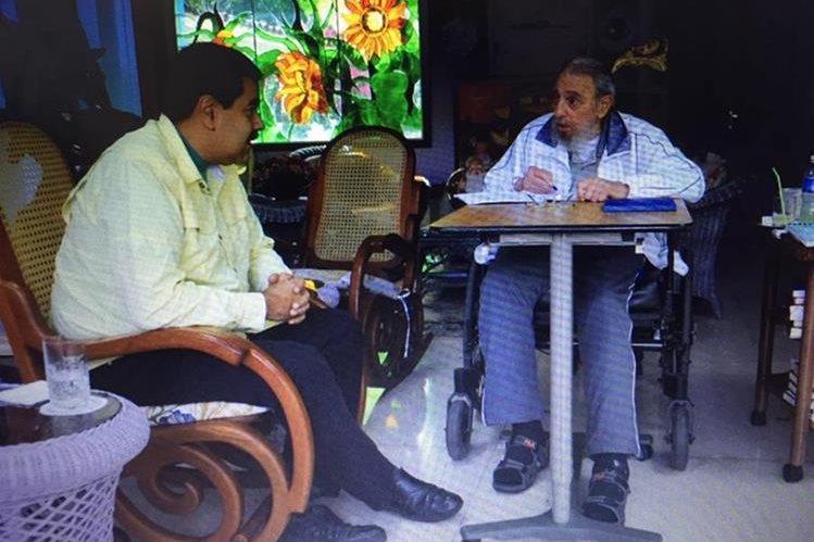 Nicolcás Maduro se reúne con Fidel Castro. (Foto Prensa Libre: Hemeroteca PL)