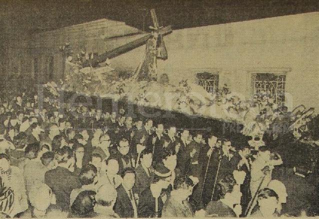 Vista de la Procesión del Silencio con Jesús de los Milagros en el año 1970. (Foto: Hemeroteca PL)
