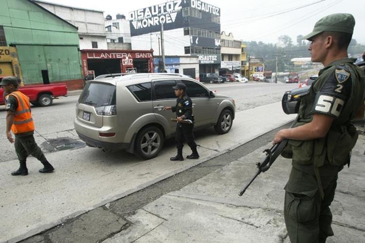 Al 1 de enero del 2018 no habría ningún soldado para tareas de seguridad ciudadana. (Foto Prensa Libre: Hemeroteca PL)