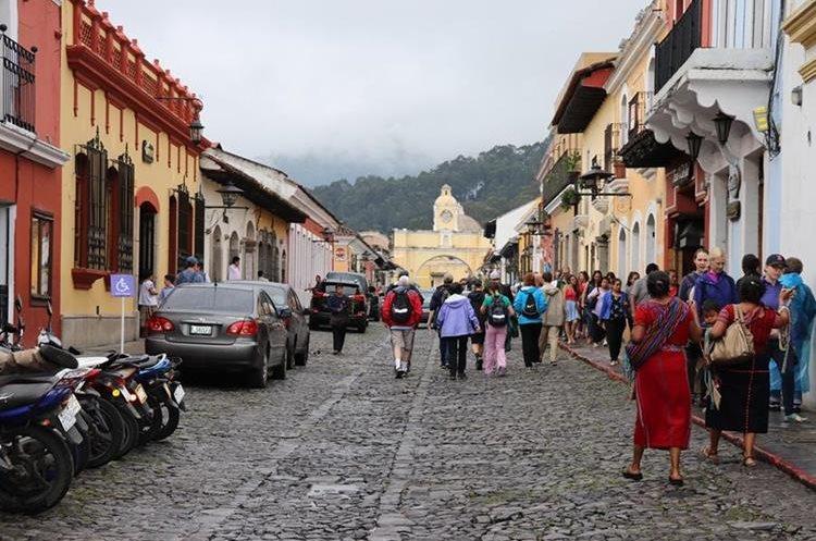Todas las personas están obligadas a respetar el reglamento de emisión de sonidos en antigua Guatemala, pues de lo contrario la comuna extenderá sanciones. (Foto Hemeroteca PL)