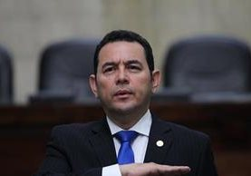 El mandatario Jimmy Morales durante la presentación de la Memoria de Labores de la Presidencia del OJ, este miércoles. (Foto Prensa Libre: Érick Ávila).