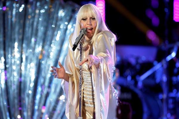"""<p>Lady Gaga ha acaparado la atención mundial por su estilo extravagante. (Foto Prensa Libre: AP) <br _mce_bogus=""""1""""></p>"""