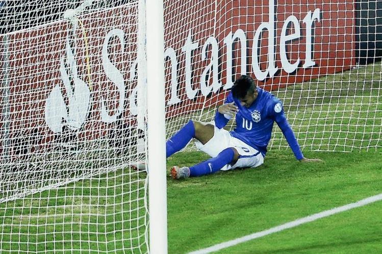 El brasileño Neymar se convirtió en una de las mayores descepciones de Brasil durante la Copa América. (Foto Prensa Libre: Hemeroteca PL)