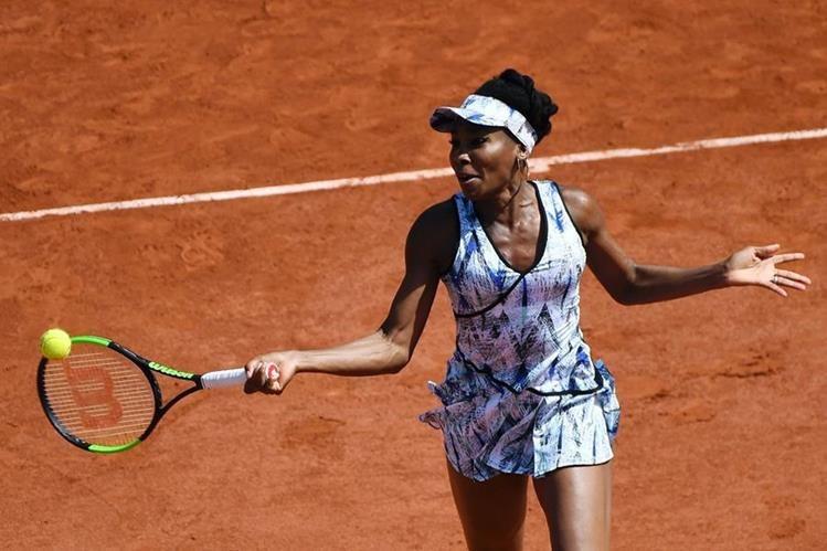 Venus avanzó a la siguiente ronda del Roland Garros. (Foto Prensa Libre: AFP)