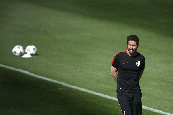 Diego Simeone jugará por el pase a la final. (Foto Prensa Libre: EFE)