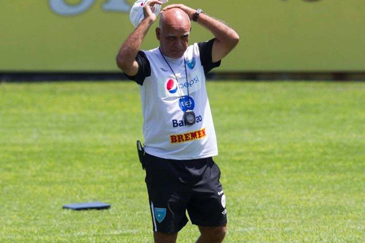 Claverí deberá resolver el rompecabezas con la Selección de cara al juego contra Estados Unidos. (Foto Prensa Libre: Hemeroteca)