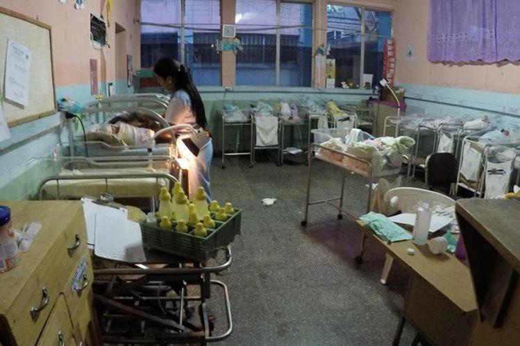 Área de neonatos del Hospital Regional de Cobán, donde se reportó la muerte de seis recién nacidos debido a la falta de insumos. (Foto Prensa Libre: Eduardo Sam)