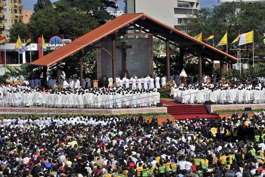 Miles acudieron a la plaza Cristo Redentor en Santa Cruz, Bolivia. (Foto Prensa Lifre: AFP).