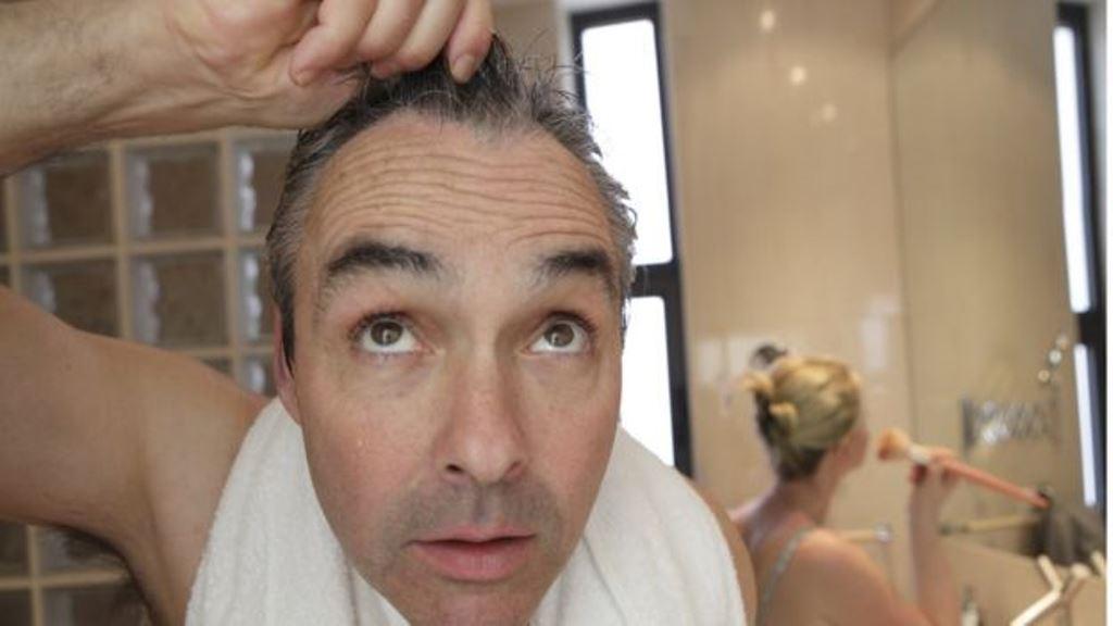 ¿Menos pelo y más arrugas de forma acelerada? Quizá sea momento de revisar tu alimentación. (GETTY IMAGES)