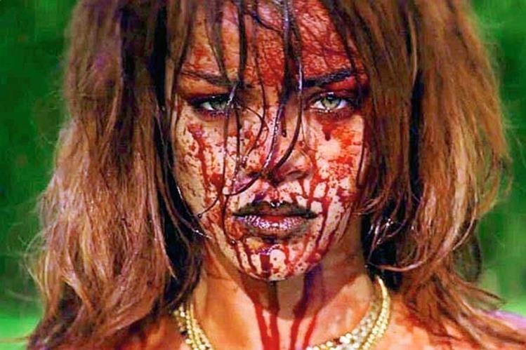 El reciente video de la cantante barbadense está cargado de imágenes fuertes, que pueden ser sensibles para el espectador. (Foto Prensa Libre, tomada de OK.com)