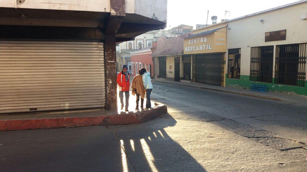 En Xela, el Insivumeh reporta que la temperatura llegó a cero grados. (Foto Prensa Libre: María José Longo)