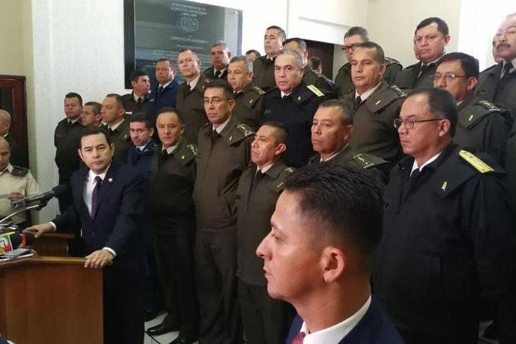 Jimmy Morales declaró que duda de la legalidad de la resolución de la CC sobre expulsión de Iván Velásquez. (Foto Prensa Libre: Carlos Hernández Ovalle)