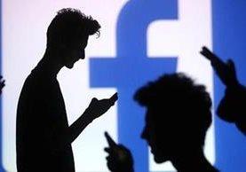 Prisión por hasta ocho años sería la pena para quienes creen perfiles falsos en redes sociales. (Foto Prensa Libre: Hemeroteca PL)