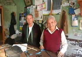 Manolo Villatoro (izquierda) y Manuel Alvarado son de Huehuetenango. (Fotos Prensa Libre: José Luis Escobar).