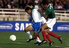 Carlos Humberto Ruiz es el máximo goleador de la Selección de Guatemala, con 68 dianas.