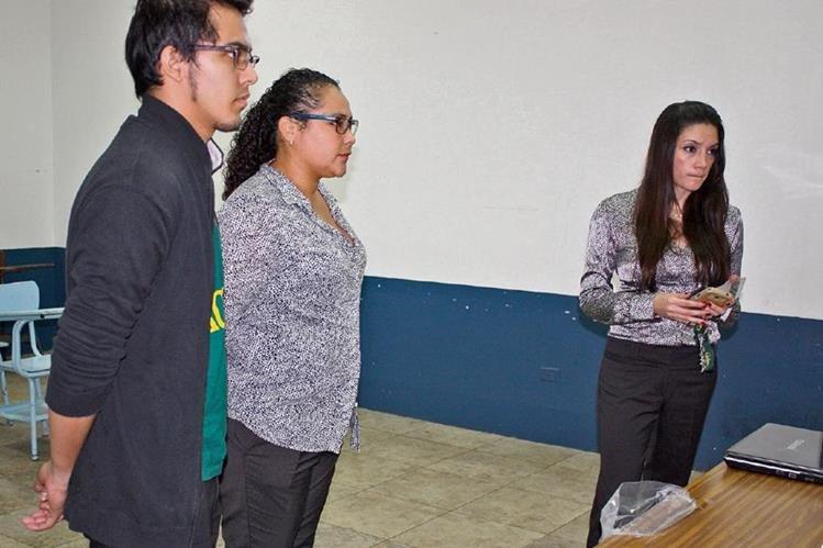 Yesenia Monzón, tercera a la derecha, encabezó la única planilla que se postuló para el cargo de comité ejecutivo de la Federación de Tiro Deportivo. (Foto Prensa Libre: Cortesía comoteje.com)