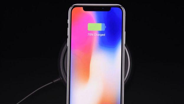 Samsung lleva años apostando por el sistema de carga inalámbrica que ofrece el nuevo iPhone X. (GETTY IMAGES)