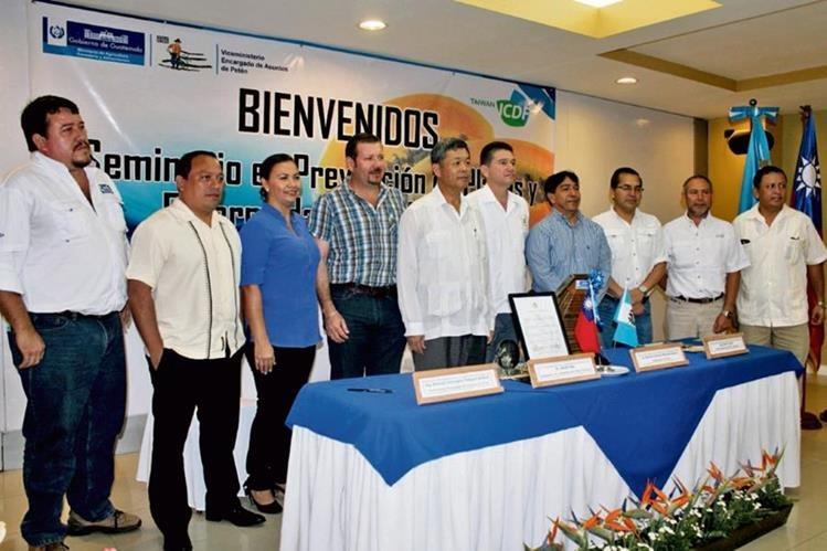 Representantes del Maga y el embajador de China-Taiwán inauguran seminario, en Santa Elena, Flores Petén.