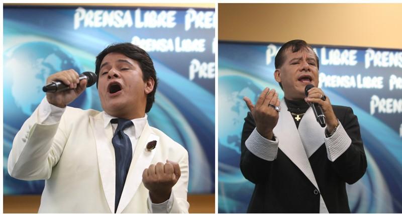 Herbert Navarro y César Aguilar imitan con gran talento al Divo de Juárez, quien murió el domingo pasado. (Foto Prensa Libre: Keneth Cruz)