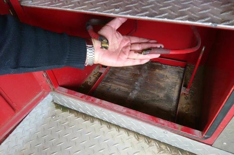 Fueros dos baterías las que robaron, cada una valorada en Q1 mil 500. (Foto Prensa Libre: Cortesía)