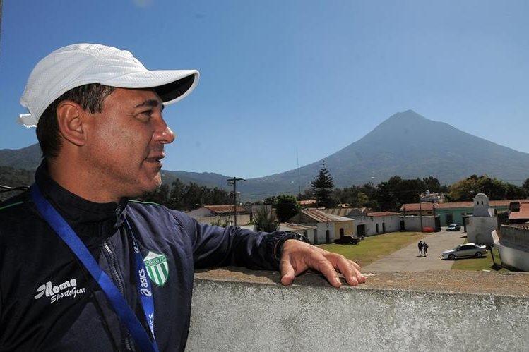 Maurio Tapia, técnico de Antigua GFC, hablará en La Entrevista de Tododeportes del momento que vive el campeón nacional. (Foto Prensa Libre: Hemeroteca)
