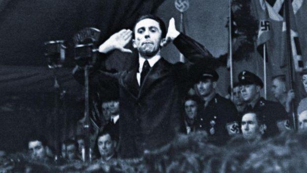 """""""Repite una mentira con suficiente frecuencia y se convierte en verdad"""" es una frase que con frecuencia se atribuye al jefe de propaganda nazi Joseph Goebbels. (Foto, Getty Images)"""