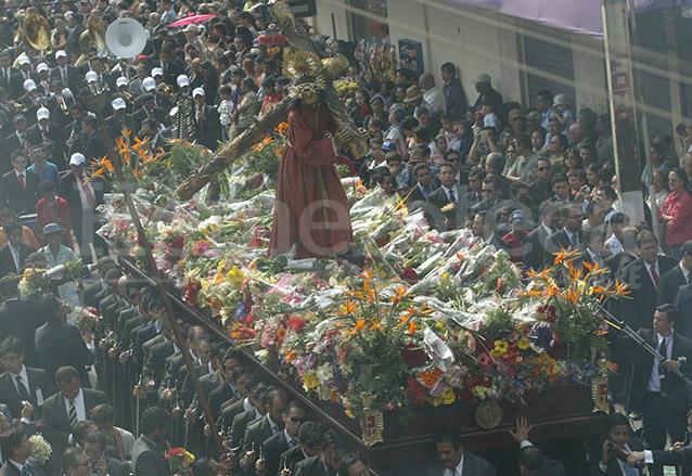 La Procesión de la Reseña recuerda cada martes santo el juramento como Patrón contra las Calamidades. (Foto: Hemeroteca PL)