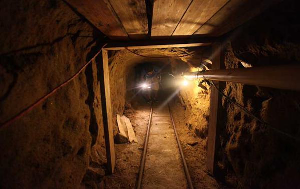 <em>Autoridades mexicanas hallaron un túnel en construcción que se presume sería para traficar droga desde Tijuana hacia la ciudad estadounidense de San Diego. (Foto: @Siete24Noticias).</em>