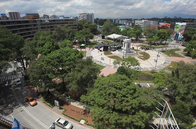 La Plaza España como luce actualmente luego de la intervención de 2017. (Foto: Hemeroteca PL)