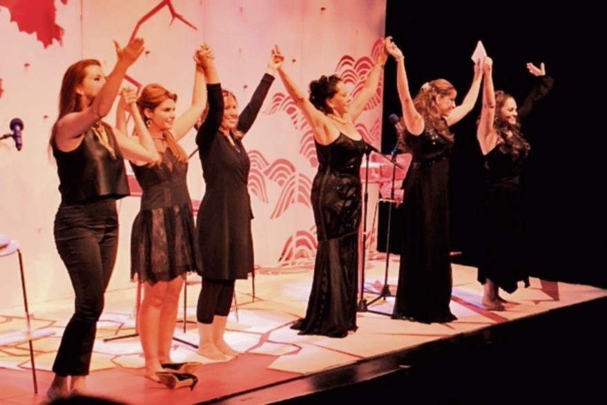 La obra   se ha presentado en México durante 15 años y han participado 120 actrices.