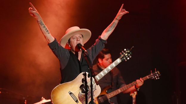Kiefer Sutherland actuando en Nueva York en mayo. (Getty Images)