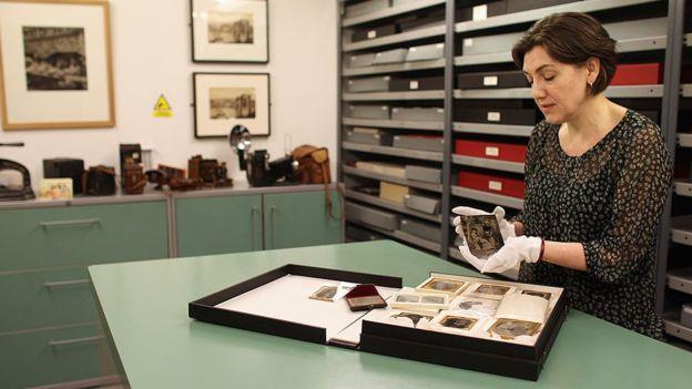 En los daguerrotipos la imagen se forma sobre una superficie de plata o cobre pulido como un espejo. GETTY IMAGES