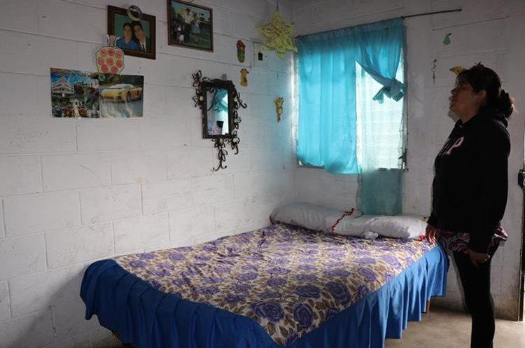 Familias aseguran que las viviendas no tuvieron daños por el temblor. (Foto Prensa Libre: Whitmer Barrera)
