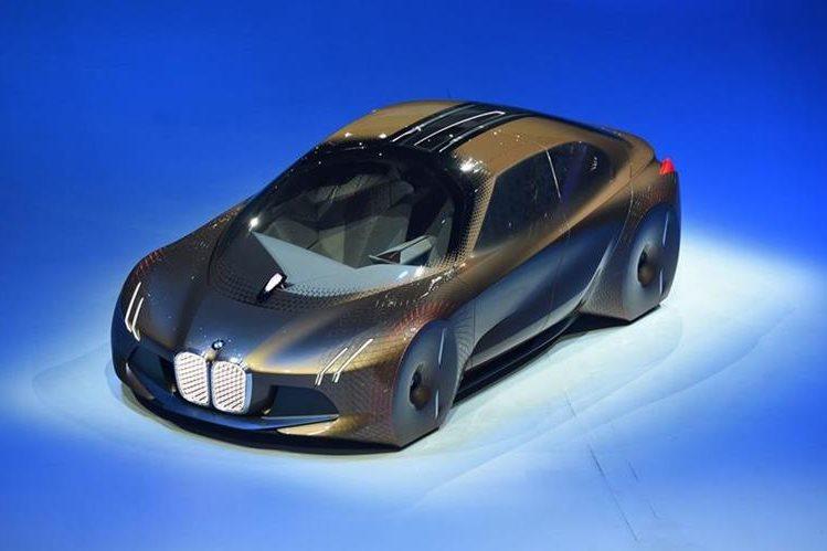 Carro conceptual Vision Next 100, presentado por BMW este lunes, en Múnich, Alemania. (Foto Prensa Libre: AFP).