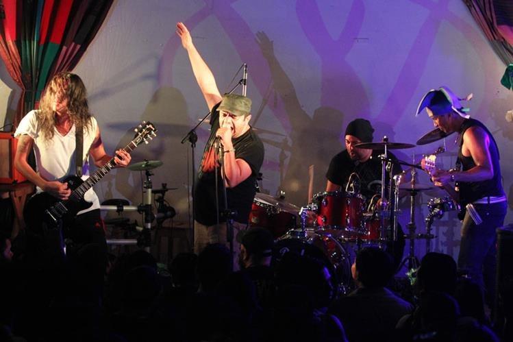 La agrupación guatemalteca Viernes Verde celebra 23 años de trayectoria musical. (Foto Prensa Libre: Keneth Cruz)