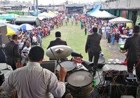 Vista de la celebración del Día del Inquilino en el mercado La Terminal. (Foto Prensa Libre: Estuardo Paredes).