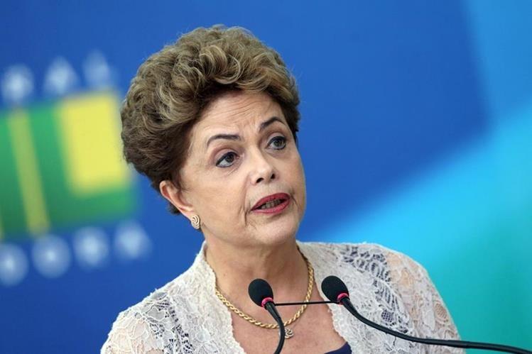 El futuro del gobierno de Rousseff es incierto. (Foto Prensa Libre: AP)