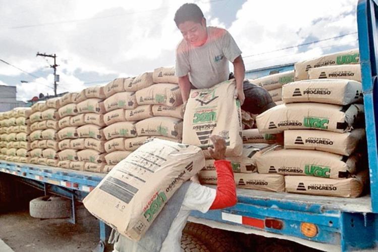 SAT mantendrá el cobro de Q5 por la venta de cada saco de cemento hasta el 30 de septiembre.