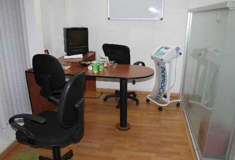 En esta oficina  almorzaba Jairo Orellana  con su cirujana, cuando a través de la ventana observó la matanza de sus guardaespaldas.