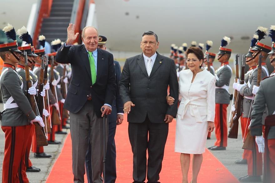El Rey emérito de España, Juan Carlos a su llegada a Guatemala.(Foto Prensa Libre: Hemeroteca PL)