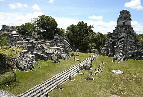 Inguat afirma que ingreso de turistas creció 5.3 por ciento comparado con el 2009. Tikal, según lo presentado hoy, es uno de los lugares más visitados. (Foto Prensa Libre. Archivo)
